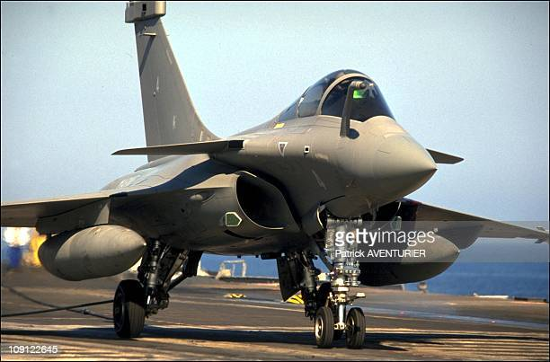 The 'Charles De Gaulle' Aircraft Carrier Shows Its 'Rafale' For The Fist Time On January 5Th France Rafale Landing