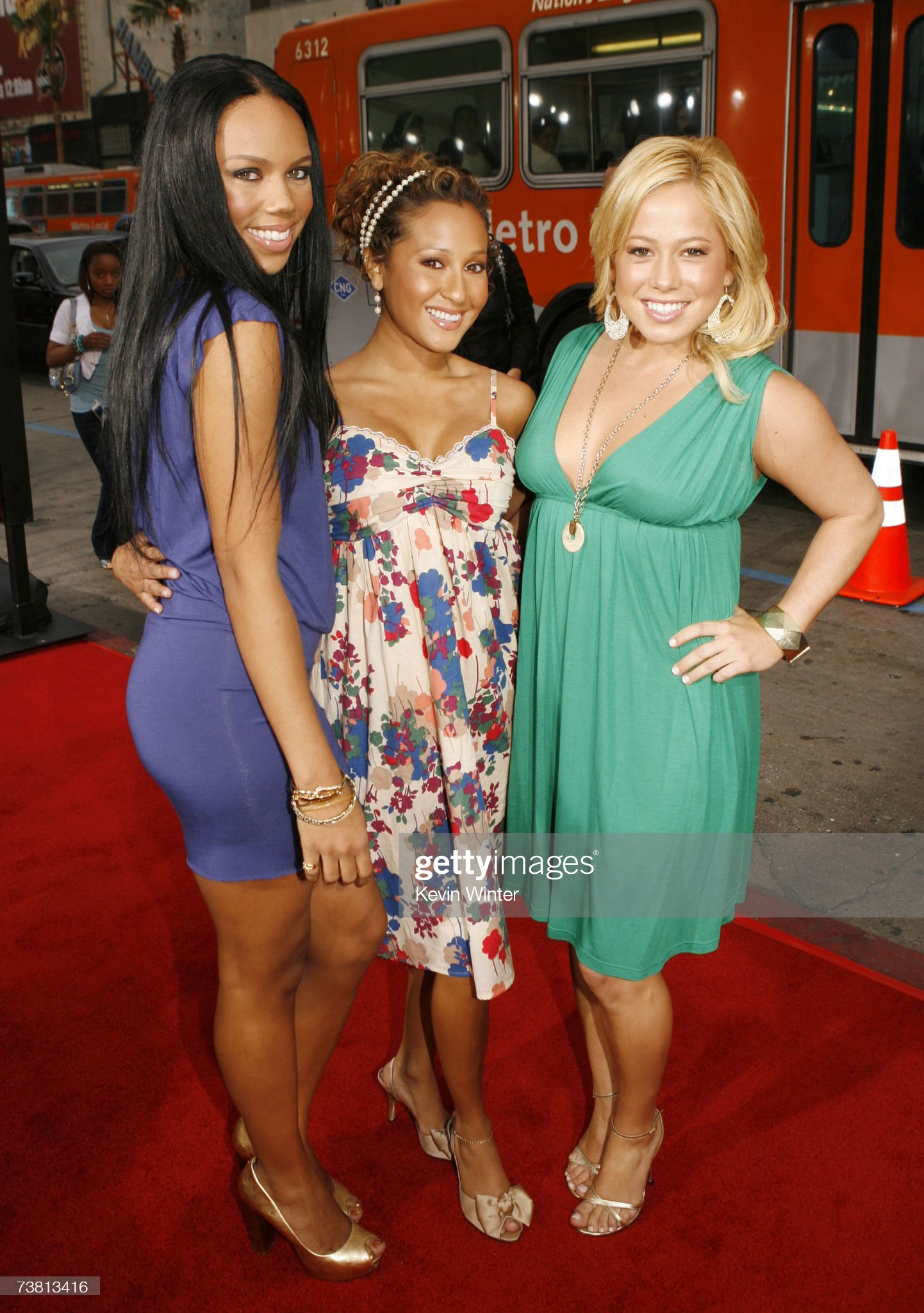 ¿Cuánto mide Adrienne Bailon? - Real height The-cheetah-girls-with-kiely-williams-adrienne-bailon-and-sabrina-picture-id73813416?s=2048x2048