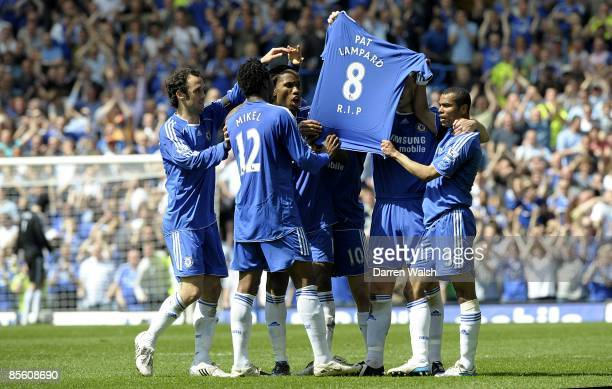 The Chelsea players reveal a shirt in memory of the passing of team mate Frank Lampard's mother Pat Lampard after Michael Ballack opens the scoring