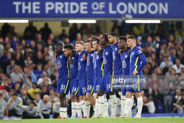 The Chelsea team look on as they line up during a penalty shoot out during the Carabao Cup Third Round match between Chelsea and Aston Villa at...