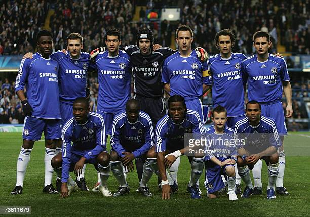 The Chelsea team pose for the cameras prior to kickoff during the UEFA Champions League quarter final first leg match between Chelsea and Valencia at...