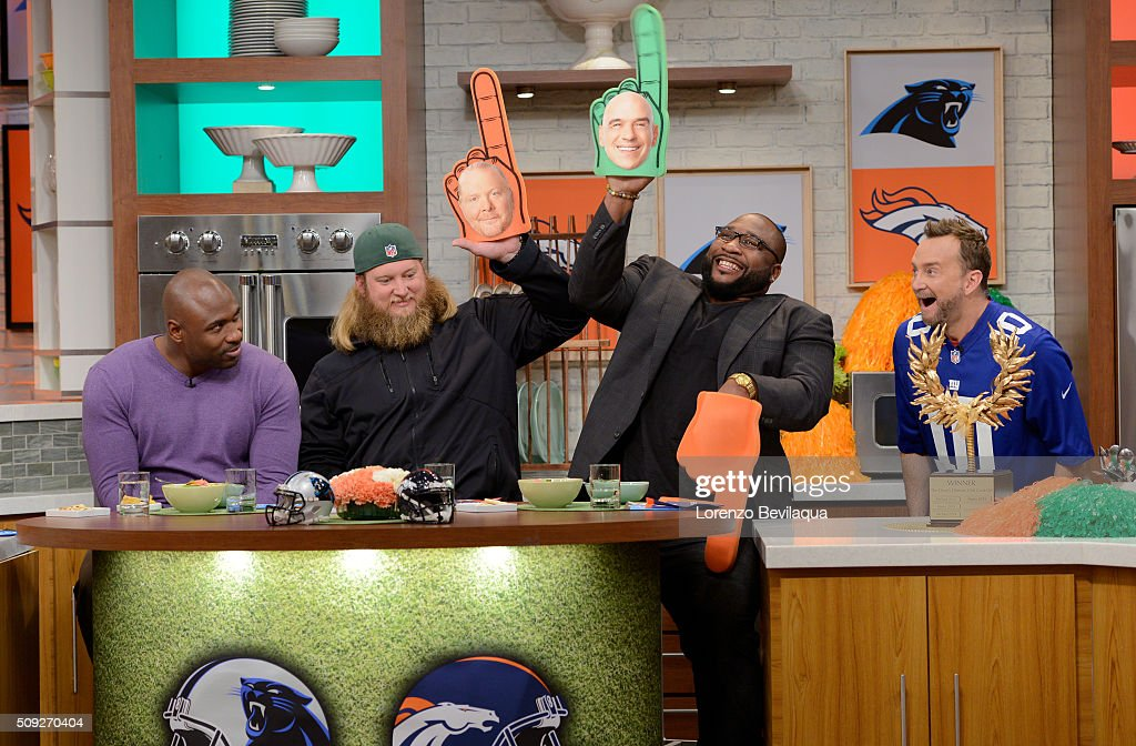 THE CHEW - 2/5/16 - 'The Chew' prepares for Super Bowl Sunday with Nick Mangold (NY Jets) Marcus Spears (ESPN analyst and former Dallas Cowboy and Baltimore Raven) and Brandon Jacobs (former NY Giant) . 'The Chew' airs MONDAY - FRIDAY (1-2pm, ET) on the ABC Television Network. KELLY