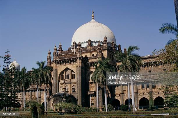 The Chhatrapati Shivaji Maharaj Vastu Sangrahalaya or Prince of Wales Museum of Western India the main museum in Bombay India 1972