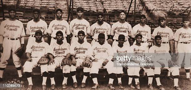 The Chicago American Giants pose for a team photo circa 1941 while visiting Kansas City, Missouri.