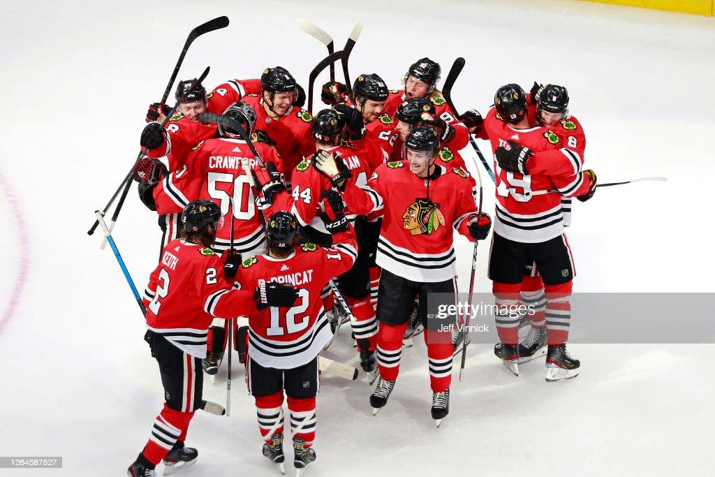 Edmonton Oilers v Chicago Blackhawks : News Photo
