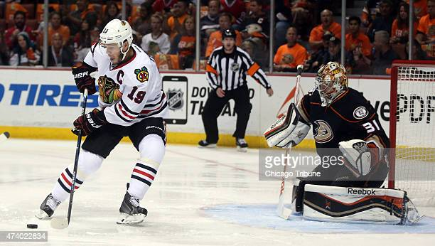The Chicago Blackhawks' Jonathan Toews looks for a chance against Anaheim Ducks goalie Frederik Andersen in the first period during Game 2 of the...