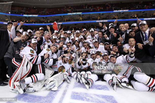 The Chicago Blackhawks pose for a team photo after defeating the Philadelphia Flyers 43 in overtime to win the Stanley Cup in Game Six of the 2010...
