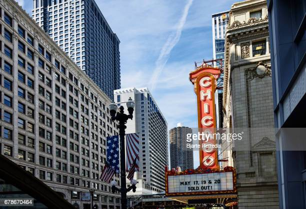 the chicago theatre - chicago theater stock pictures, royalty-free photos & images
