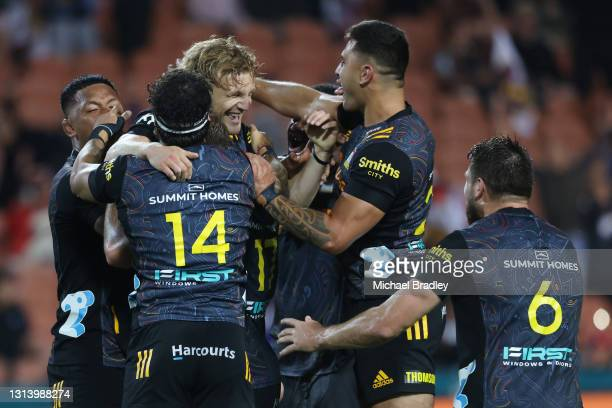The Chiefs celebrate their win during the round nine Super Rugby Aotearoa match between the Chiefs and the Hurricanes at FMG Stadium Waikato, on...