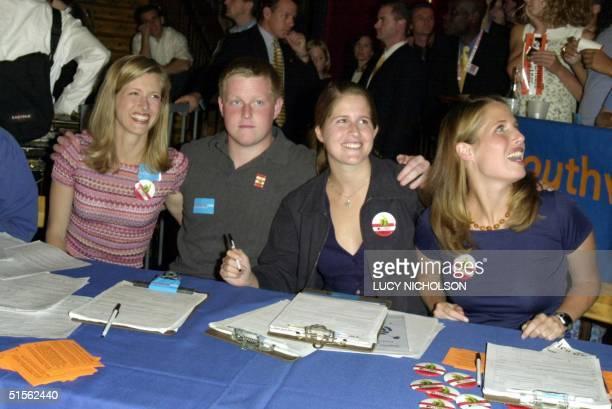 The children of Democratic presidential candidate Al Gore and his wife Tipper Karenna GoreSchiff Albert Gore Sarah Gore and Kristin Gore attend an...