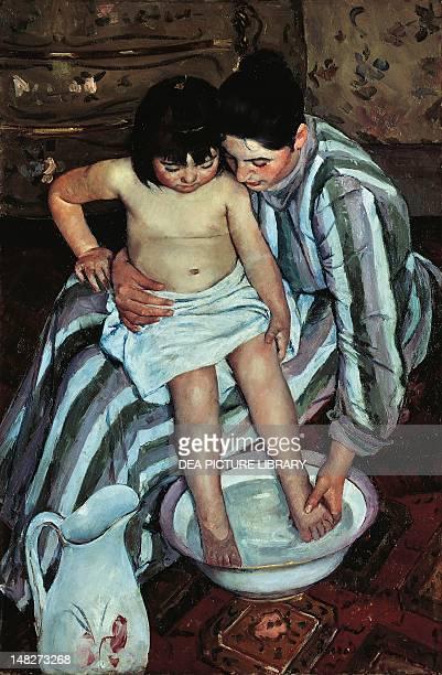 The child's bath by Mary Cassatt oil on canvas 100x66 cm Chicago Art Institute Of Chicago