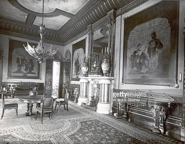 The Chinese Luncheon Room at Buckingham Palace London circa 1910 The room is furnished in Chinese regency style with many furnishings taken from the...