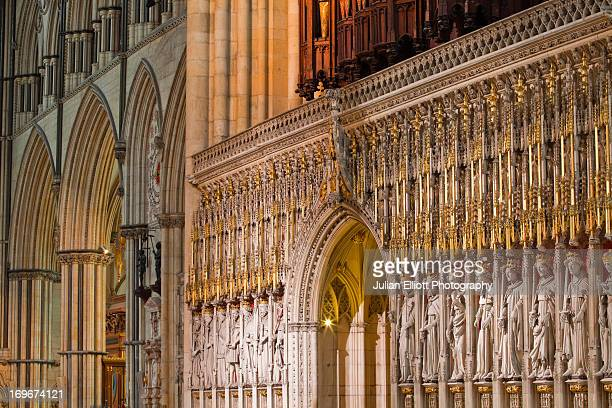 the choir screen in york minster cathedral. - york minster stock pictures, royalty-free photos & images