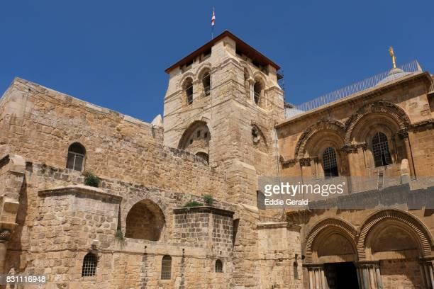 the christian quarter in jerusalem - chiesa del santo sepolcro foto e immagini stock
