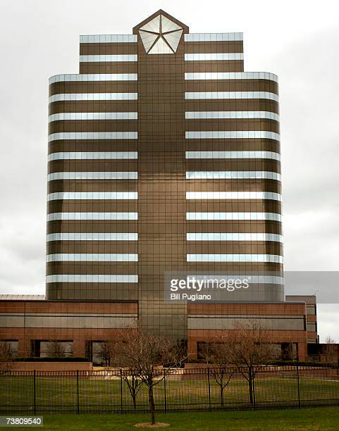 The Chrysler Group headquarters building is seen April 4 2007 in Auburn Hills Michigan DaimlerChrysler AG Chairman Dieter Zetsche publicly...