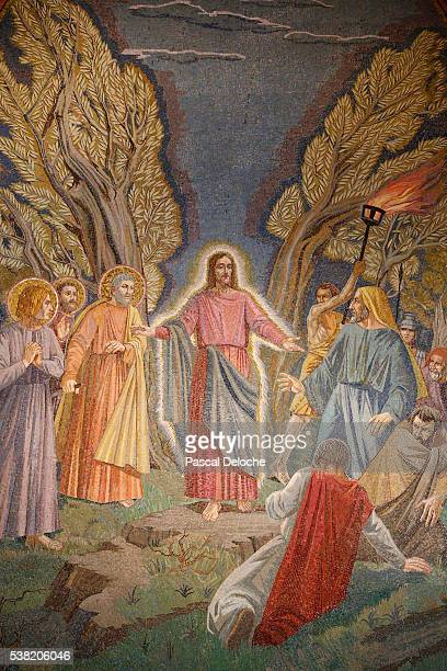 the church of all nations, also known as the church or basilica of the agony. jesus is arrested : detail from the mosaic of the basilica at gethsemane. - garden of gethsemane stock pictures, royalty-free photos & images