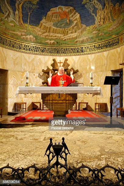 the church of all nations, also known as the church or basilica of the agony. catholic mass. - garden of gethsemane stock pictures, royalty-free photos & images