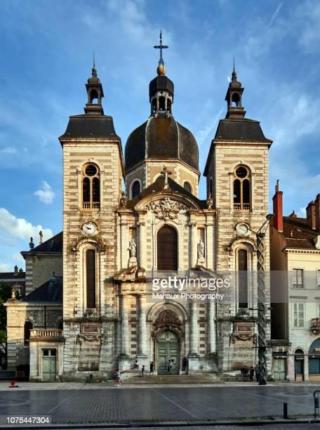 the church of st-peter in chalon-sur-saône. - シャロンシュルソーヌ ストックフォトと画像