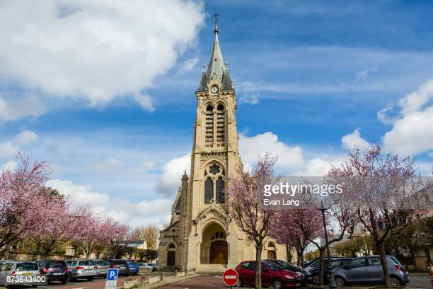 the church saint lubin of rambouillet - ランブイエ ストックフォトと画像