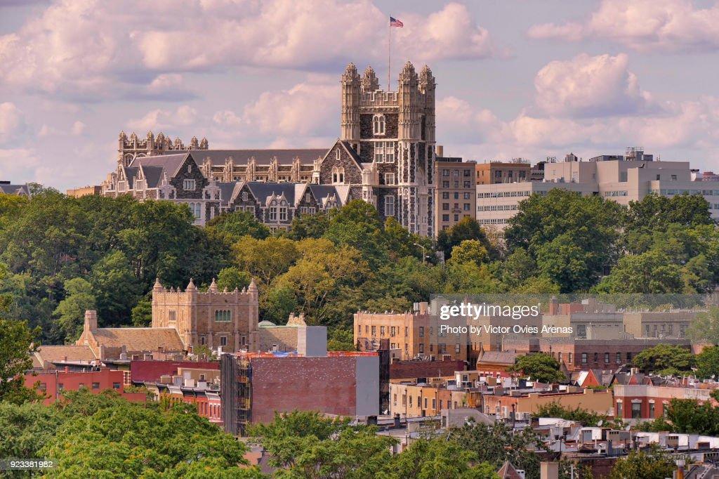 The City College of New York building, Striver's Row, Upper Manhattan, New York, USA : Foto de stock