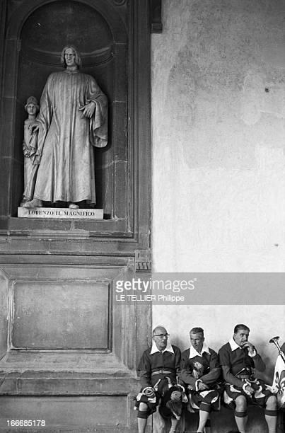 The City Of Florence Italy Italie Florence juin 1967 un parcours culturel dans la ville et des scènes de la vie quotidienne Ici des musiciens du...