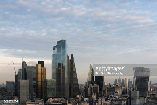 the city of london - economic stimulus stock pictures, royalty-free photos & images