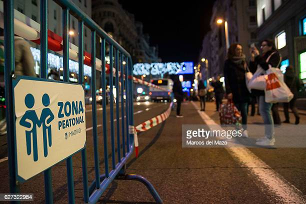 The City of Madrid closes the traffic in main streets for Christmas to give more space to pedestrians