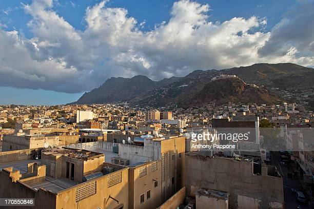 the city of taizz and mount sabir - ta'izz stock pictures, royalty-free photos & images