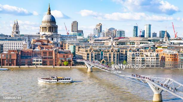 the city - st. paul's cathedral london stock pictures, royalty-free photos & images