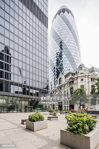 The City, view of the Swiss Re Tower
