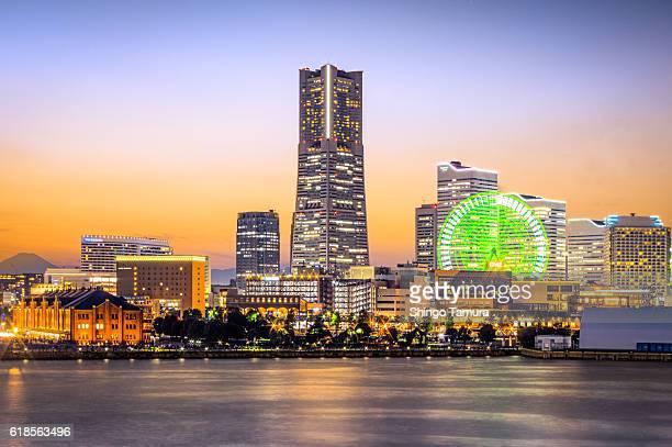 The Cityscape of Yokohama Minato Mirai 21 iin Twilgiht