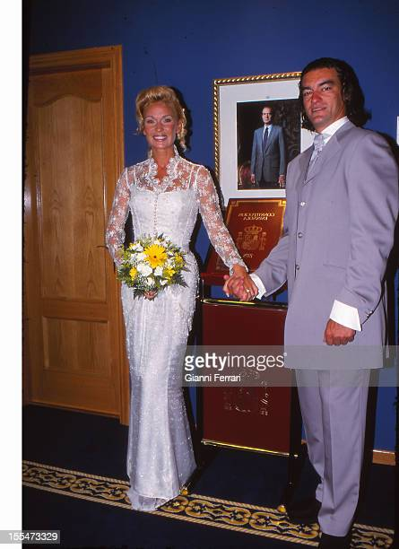 The civil wedding of French actress and dancer Marlene Mourreau with Cuban dancer Michel Guevara Twenty Second June 2000 Madrid Castilla La Mancha...