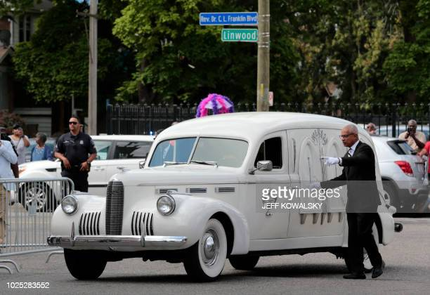 The classic 1940 LaSalle hearse containing the casket of Aretha Franklin arrives at the New Bethel Baptist Church for a viewing on August 30 2018 in...