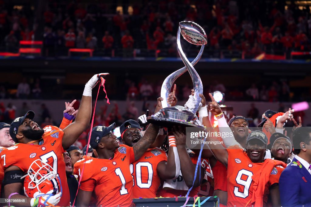 College Football Playoff Semifinal at the Goodyear Cotton Bowl Classic - Clemson v Notre Dame : Nachrichtenfoto