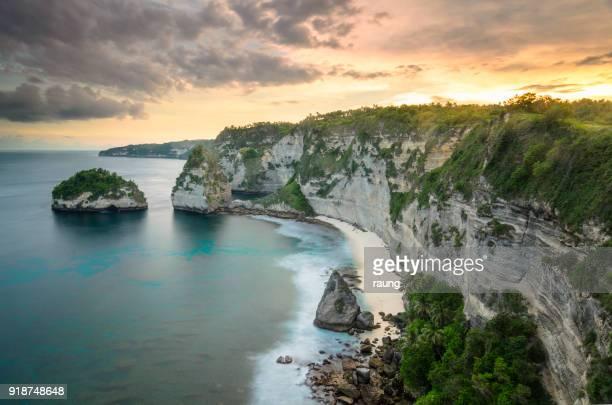 the cliff of penida
