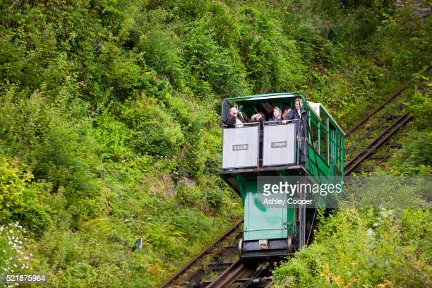 the cliff railway linking lynmouth with lynton on the north devon coast. - lynton stock pictures, royalty-free photos & images