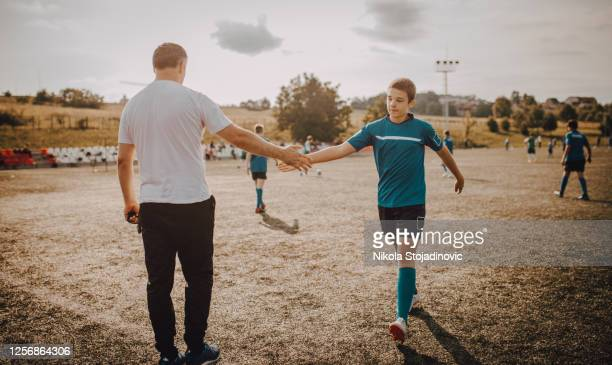 the coach advises the players - the championship football league stock pictures, royalty-free photos & images