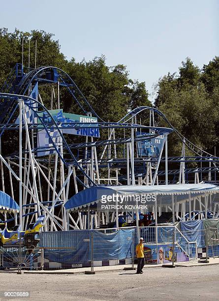 """The """"Coaster formule 1"""", amusement park ride is pictured on August 23, 2009 in the Saint-Paul park near Beauvais. A 35 year-old woman was killed on..."""