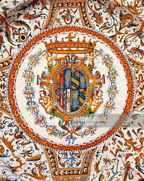 The coat of arms of Duchy of Urbino detail from a Raphaelesque decorated plate made for the wedding of Filippo Maria II and Livia della Rovere...