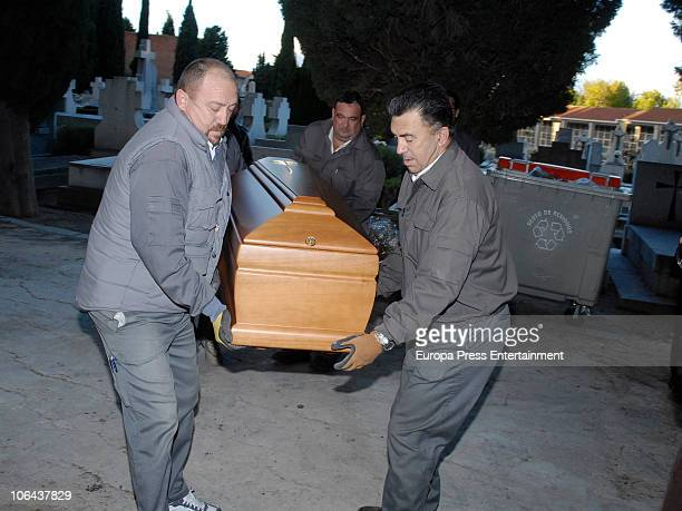 The coffin of Carla Duval sister of vedette Norma Duval at San Isidro Cementery on November 1 2010 in Madrid Spain Carla Duval who suffered from...