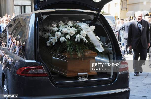 The coffin of director Franco Zeffirelli sits in the hearse during the funeral in the Cathedral of Santa Maria del Fiore on June 18 2019 in Florence...