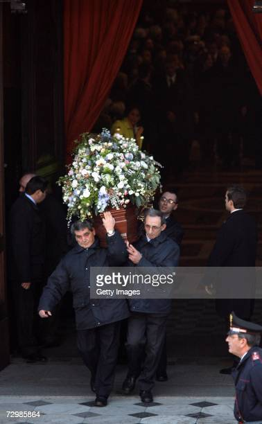 The coffin of former Italian director Carlo Ponti is carried out of San Martin church on January 12 2007 in Magenta Italy Italian film producer and...