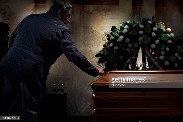 The coffin of Italian artist Dario Fo is pictured in the burial chamber of Teatro Piccolo in Milan on October 14, 2016. Dario Fo an Italian...