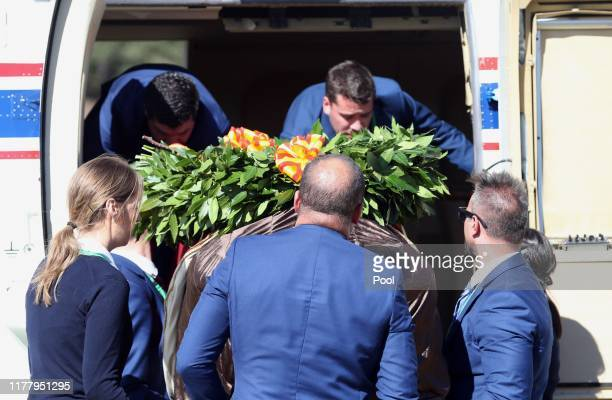 The coffin of Spanish dictator Francisco Franco arrives at the Mingorrubio El Pardo cemetery in a Super Puma helicopter after the exhumation of the...