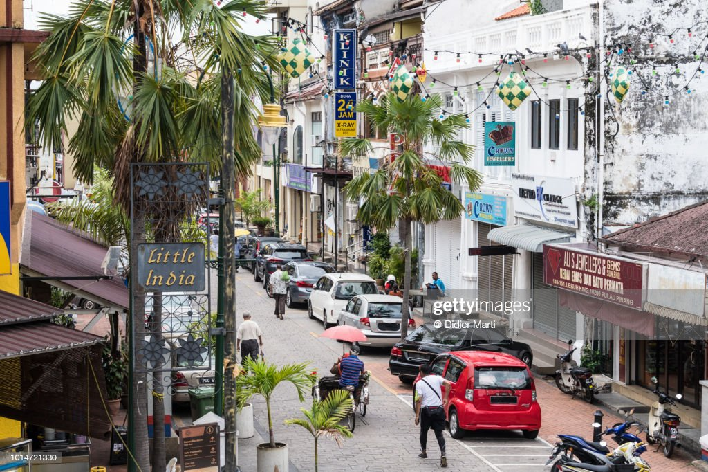 The colonial architecture in the streets of Little India in Georgetown in Penang, Malaysia : Foto de stock