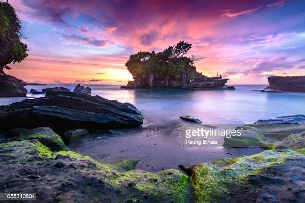 the color of tanah lot - tanah lot stock pictures, royalty-free photos & images