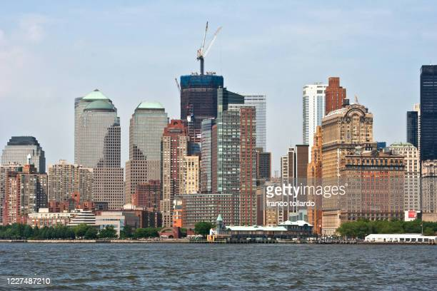 the colors of new york landscape - metropolitan museum of art new york city stock pictures, royalty-free photos & images