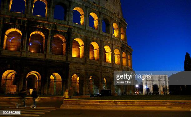 the colosseum of rome in the night - xuan che stock pictures, royalty-free photos & images