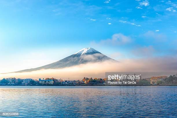The colourful scene of Fujisan