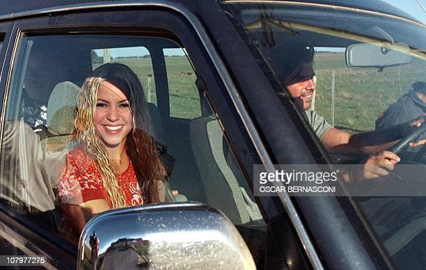 The Columbian singer Shakira Mebarak rides in a car with her boyfriend Antonio De La Rua son of the President of Argentina Fernando De La Rua in...